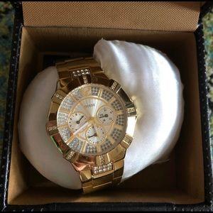🌼Watch Sale🌼 Guess Golden Strap Watch on sale